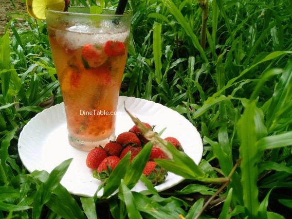 Strawberry Mojito Recipe – Easy Homemade Strawberry Mojito