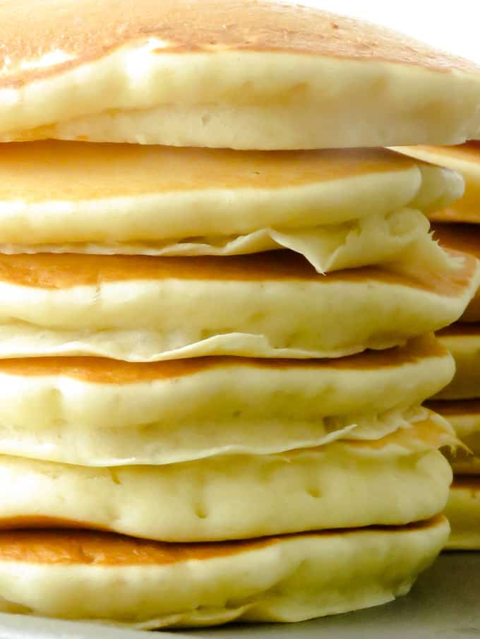 how to make fluffy American pancakes.