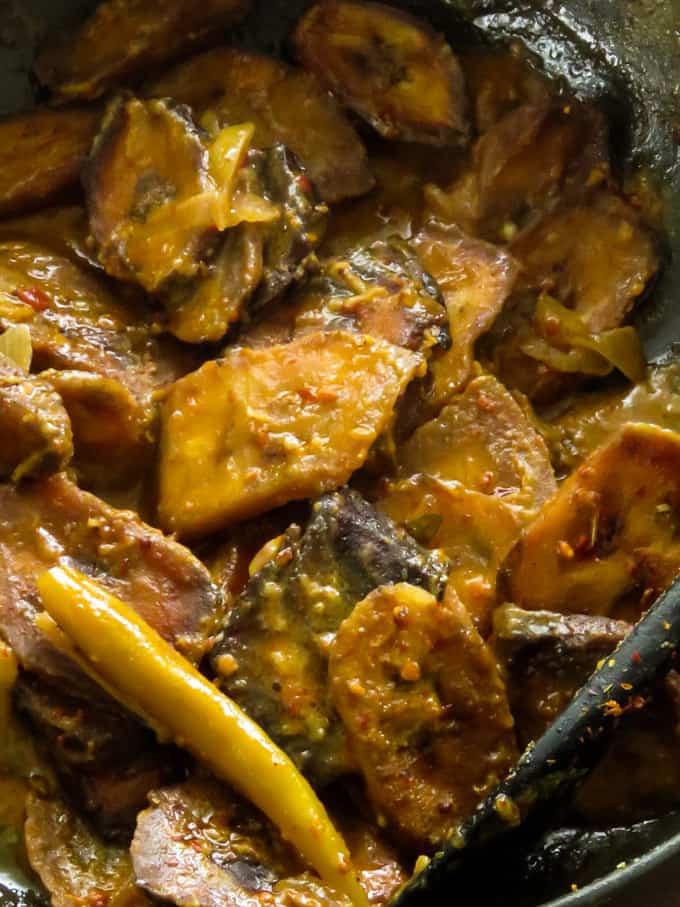 Sri Lankan spicy ash plantain(green banana)curry