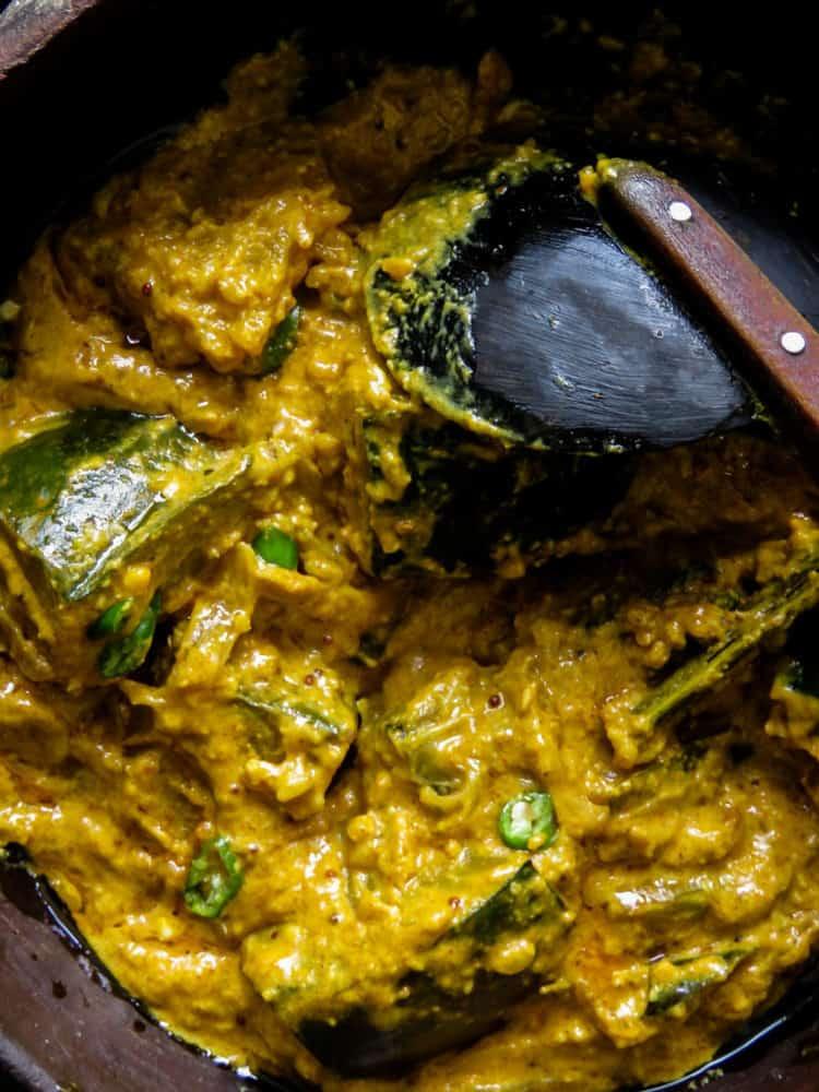 Sri Lankan Pumpkin curry cooked in roasted coconut(kalup pol wattakka).