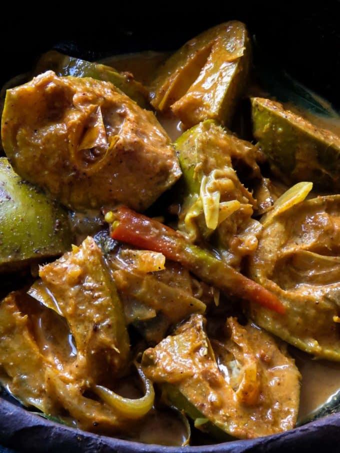 sinhalese mango curry( amba maluwa).