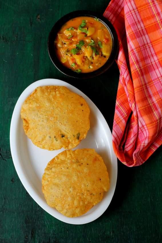 Masala poori with potato curry