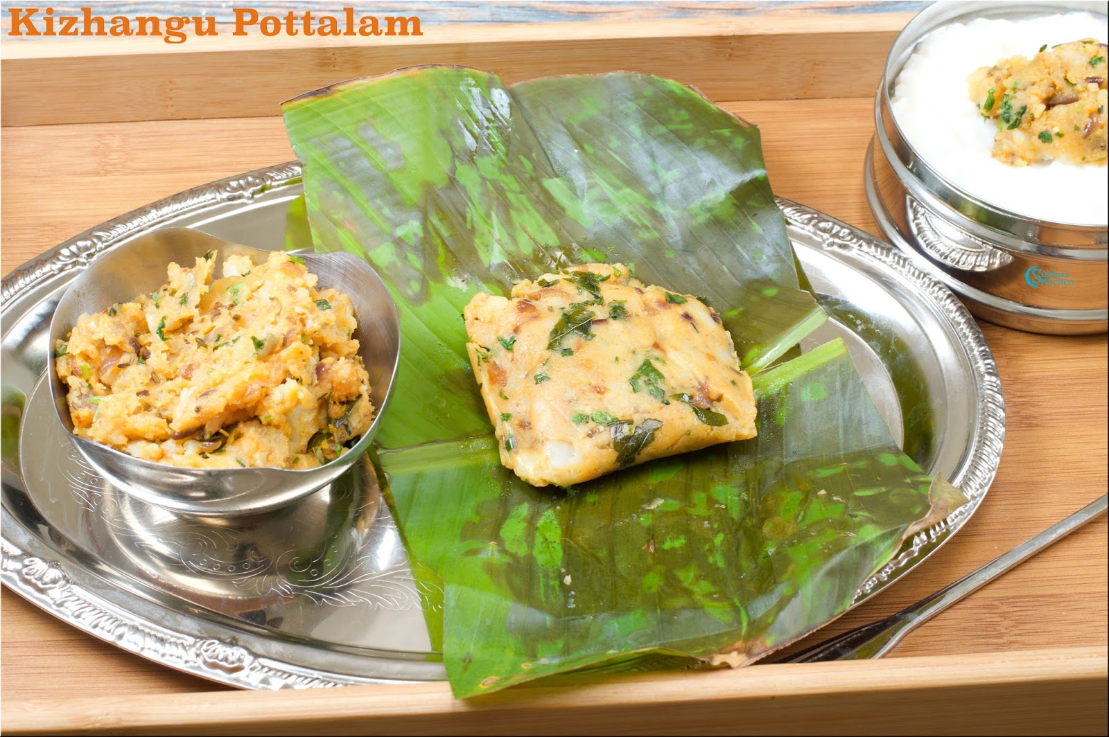 Madurai Kizhangu Pottalam | Spicy Potato Masala Parcels