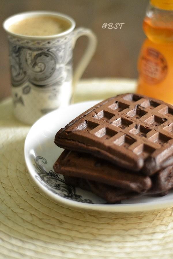 Banana Cocoa Waffles