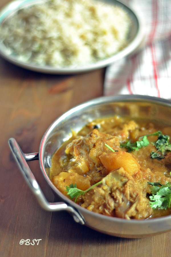Aloo Gosht ~ Meat and Potato Curry