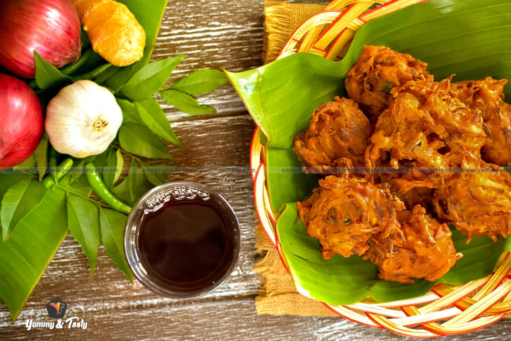 Thattukada style Ullivada, Kerala style Onion Fritters