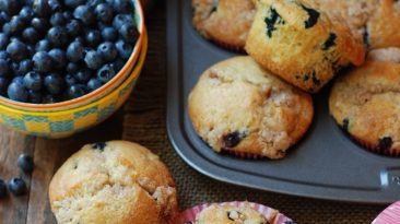 Blueberry Muffins with Streusel Topping