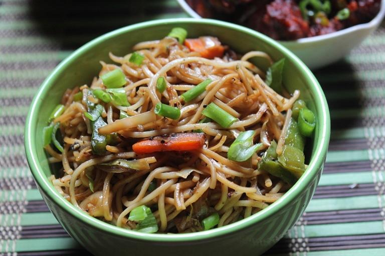 Chinese Vegetable Noodles Recipe / Veg Noodles Recipe